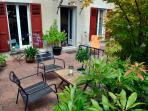 la lucarne du voyageur - la terrasse (petits-déjeuners par beau temps)