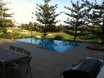 Salt water infinaty pool with Jaquzzi