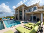 The Award-Winning 'Sun Cloud' - 5BR, Oceanfront Luxury Villa in Rum Point - Private Beach and Private Pool!
