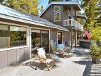 Sunny trex deck to enjoy lake views