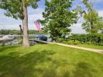 3 Bedroom Lakehouse on 1/3 Acre, 70 ft Frontage