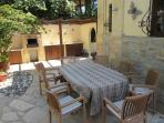 External dining area, food preparation and BBQ