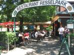 Very near from the apartment - Restaurant Resselpark