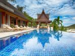 Baan Surin Sawan - Pool view to bale