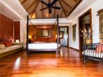 Baan Surin Sawan - Master bedroom