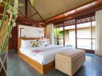 Bayu Gita Beachfront - Master suite two