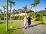 Bayu Gita Beachfront - Driveway