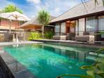 Bayu Gita Beachfront - Master Suite one plunge pool
