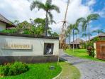 Bayu Gita Beachfront - Entrance