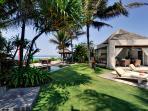 Majapahit Villas - Villa Maya - Garden shower