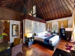 Majapahit Villas - Villa Maya - Master bedroom