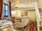 Medici Suite apartment in Duomo with WiFi, air conditioning & lift.
