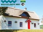 Teac Chondai Thatched Cottage - Self Catering Donegal - on Wild Atlantic Way