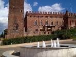 La fontana nella piazza del castello