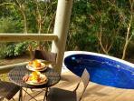 Bangalô - Varanda com vista deslumbrante para a Mata Atlântica, varanda gourmet  e jacuzzi privativa