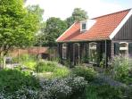 Romantic quiet Garden house near Centre Amsterdam