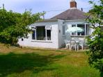 DRIFTWOOD, family friendly, with a garden in Milford On Sea, Ref 3757