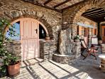 Tinos Habitart - The Peach House