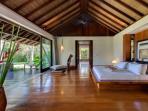 Villa Samadhana - Master bedroom