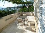 A1(6+1): common terrace