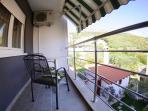 R5(2): balcony