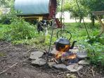 Cook on an open fire, BBQ or camping gaz stove