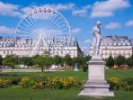 The Tuilleries Garden are perfect for morning run or walk and just 7minutes walking distance.