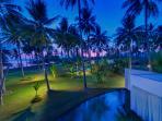 Villa Sapi - Gardens at night