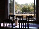 H(6+2): dining room