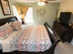 The Queen En-Suite Bedroom