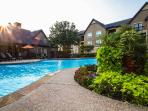 Beautiful 2 Beds/ 2 Bath with Poolview