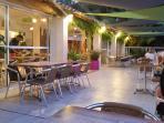 Holiday Green Restaurant