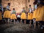 Pueblo de Angiano con su famoso baile de zancos en la comunidad de La Rioja