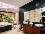 2nd bathroom of Villa LA