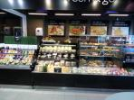 Supermercados y autoservicios. CARREFOUR EXPRESS 24 horas en la Plaza de Lavapiés