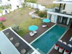 1,300sqm of land and 1,000sqm of living space