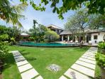 Maharaj - Villa and gardens