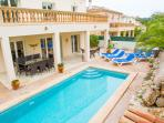 Villa Maria - Luxury 4 Bed, 3 Bath Villa with Large Pool, Hot Tub, Satelite TV & High Speed WiFi