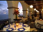 Enjoy indoor and outdoor dining, a romantic candlelight dinner, or a family buffet