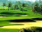 amazing golf courses close by