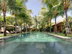 Villa Shambala - Pool to guest wing