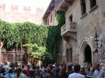 Casa di Giulietta. Juliet's home.