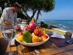 Majapahit Villa Raj - Alfresco dining on the beach deck