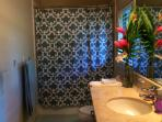 Lanai Suite Bathroom