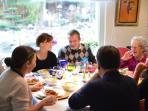 repas à la table d'hôtes
