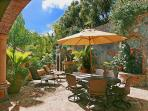 The Cinnamon Breeze courtyard offers another splendid alfresco dining area.