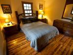 Bedroom 2-Queen Bed