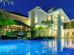 Villa Luwih - Evening villa