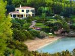 Villa Aria - A family / sport retreat with the beach on your doorstep.