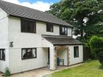 BROOKFIELD, pet friendly, country holiday cottage, with a garden in Tregony